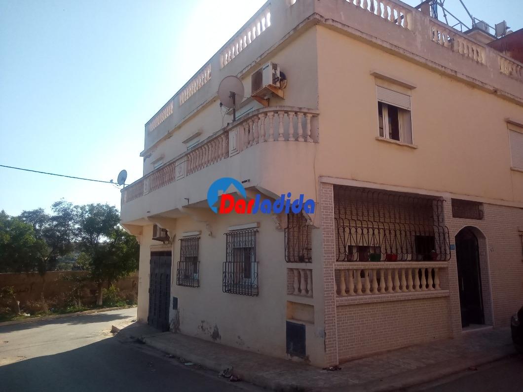 Vente Villa F5 Cite des 65 logements derrière la salle des fêtes mkhatria Mostaganem Mostaganem
