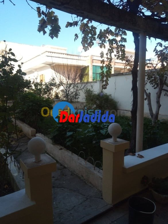 Vente Villa F10 ou +  Guelma